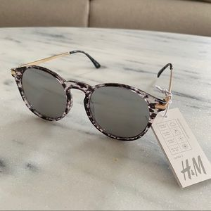 Sunglasses 🕶 NWT